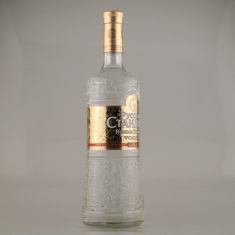 russian standard gold vodka 40 1 0l 18 90. Black Bedroom Furniture Sets. Home Design Ideas