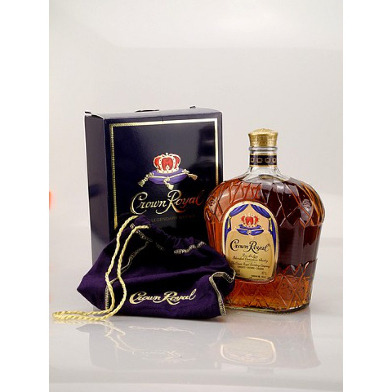 Crown Royal Canadian Whisky 40% 1,0l (23,90 € p...