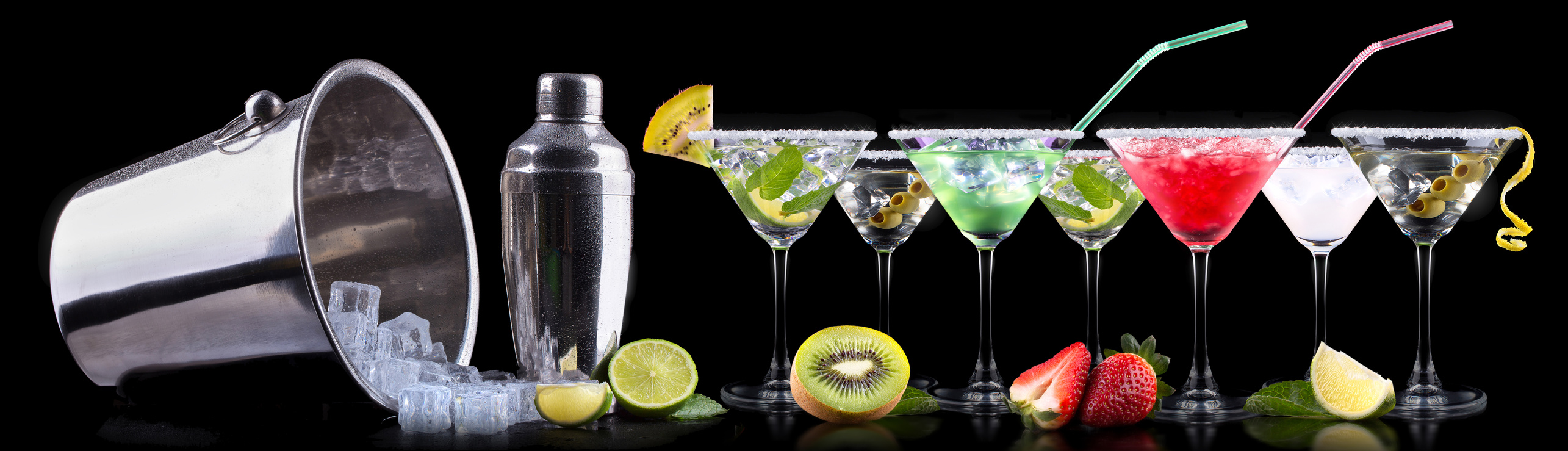 Martini Cocktails in verschiedenen Ausführungen