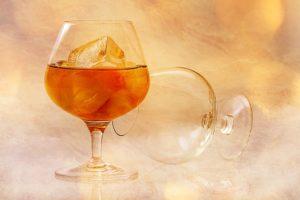 Glas mit Alkohol