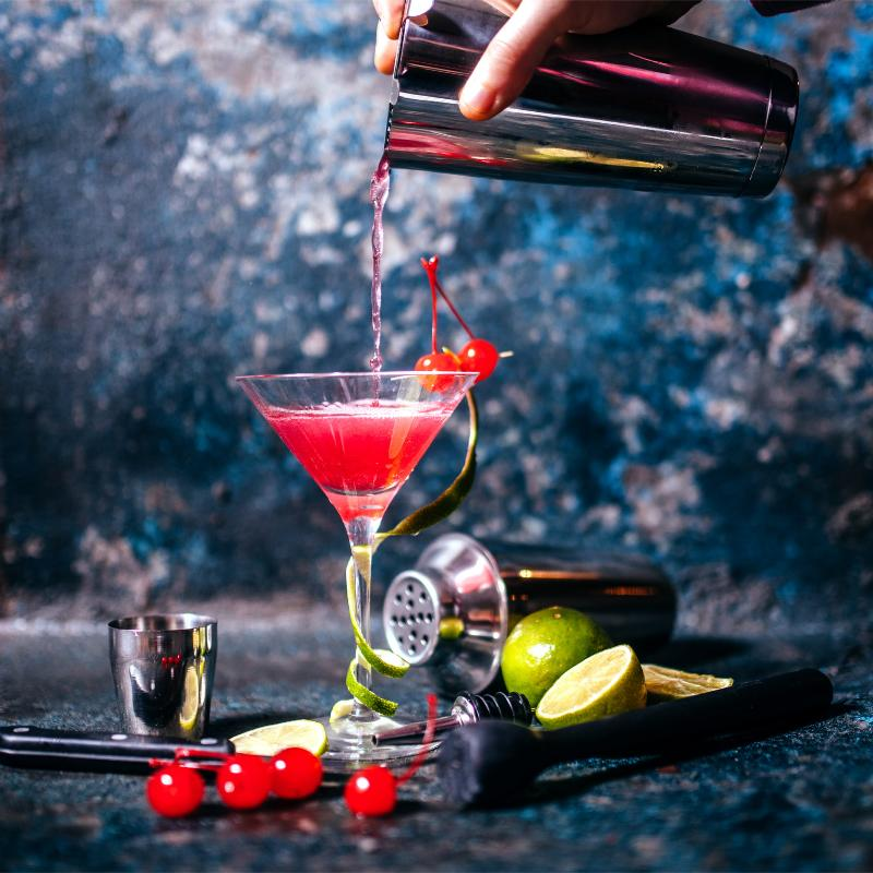 Cosmopolitan Cocktail mixen