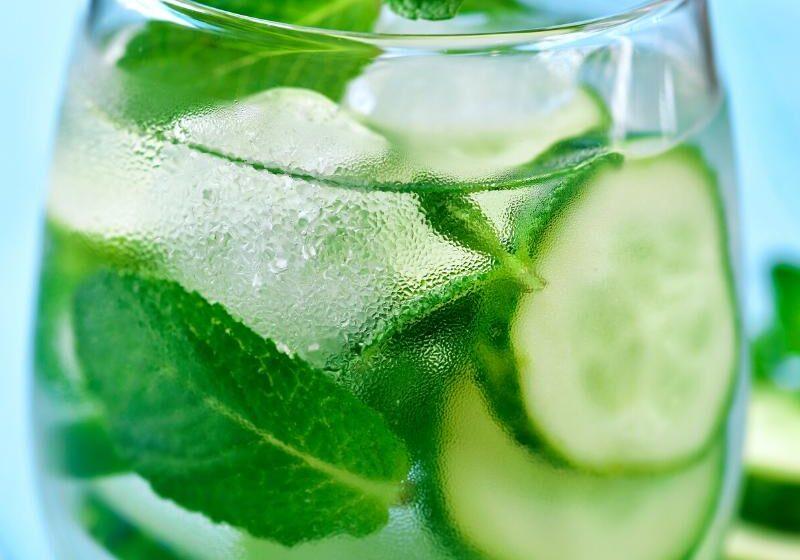 Cosmopolitan Cocktail mixen